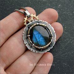 Strukova Elena - copyrights jewelry - pendant with blue labradorite