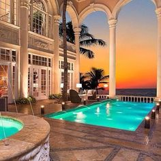 A beautiful Mansion in Miami w/ a lovely sunset  (Pic: LUXURY) ♡♥♡♥♡♥