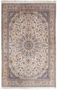 VAN-HAM Kunstauktionen  Nayin, With Silk. Second Half 20th Century. 340 x 220cm.