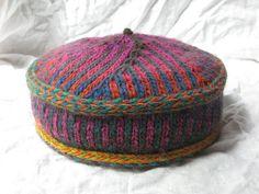 Ravelry: Binah Bokharan Kippah / Kufi / Pillbox Hat pattern by Leslie S Crochet Hat With Brim, Knit Or Crochet, Knitted Hats, Knitting Projects, Crochet Projects, Knitting Yarn, Knitting Patterns, Pillbox Hat, Pill Boxes