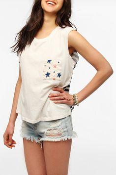 DIY? Contrast back and pocket. Urban Outfitters - Truly Madly Deeply Contrast Pocket Muscle Tee