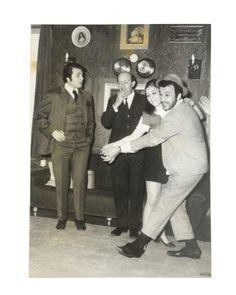 ''Darıldın mı Cicim Bana'' filminde (1970)  Sadri Alışık, Yusuf Sezgin ve Esen Püsküllü.