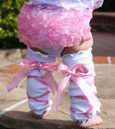 Ballerina Bow Ruffled LegWarmers!!! I need this, one day!!!!