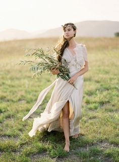 30 Gorgeous Grecian Drapery Wedding Dresses | Weddingomania