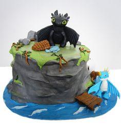 Toothless Stormfly cake