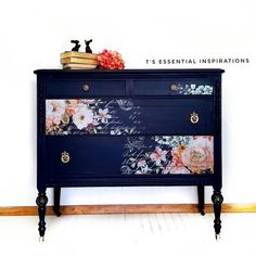 Repurposed Furniture Projects For Diy Lovers! Decoupage Furniture, Refurbished Furniture, Paint Furniture, Repurposed Furniture, Furniture Projects, Furniture Making, Furniture Makeover, Furniture Decor, Furniture Design