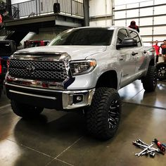 Check out this 2018 Tundra of with shocks . Toyota Tundra Lifted, 2012 Toyota Tundra, Toyota Tundra Crewmax, Toyota 4x4, Toyota Trucks, Toyota Cars, Toyota 4runner, Toyota Tacoma, Chevy Trucks