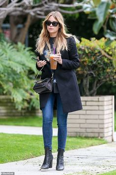 Ashley Benson heads to pamper session in blue skinny jeans and sharp black coat without rumored girlfriend Cara Delevingne Fashion Days, Look Fashion, Everyday Fashion, Outfits Otoño, Stylish Outfits, Fashion Outfits, Fashion Trends, Fashion Clothes, Winter Outfits