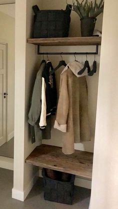 Entry Closet Organization, Small Dressing Rooms, Milan Apartment, Closet Designs, Hallway Decorating, Diy On A Budget, Interior Design Living Room, Home And Living, Building A House