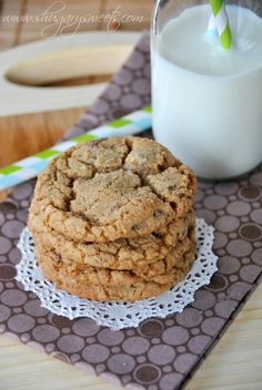 Maple Toffee Cookies: delicious, soft maple cookies with #milkchocolate and #toffee bits @Shugary Sweets