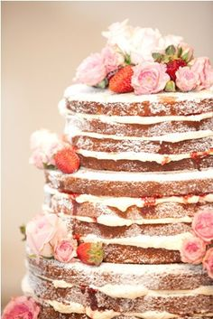Naked Cake with flowers and berries. Love the powdered sugar over the whole thing! http://www.elizabethannedesigns.com/