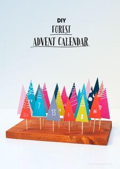 Imprimible de calendario de adviento + DIY en forma de arbolitos >> DIY Easy Printable Forest Advent Calendar via Love From Ginger