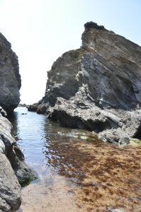 Costa Vicentina, a coast of beaches and cliffs - via ternblog 25.08.2014 | Costa Vicentina has more than 100 kms of beautiful coastal cliffs, from Porto Covo (Alentejo) till Burgau (Algarve) #Alentejo #Portugal Photo: Next to Porto Côvo
