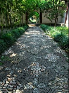 photo-china-cobbled path