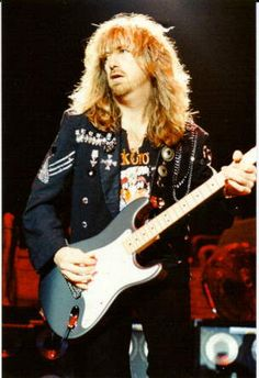 February 23 Happy birthday to Brad Whitford [Aerosmith] Best Guitarist, Rock And Roll Bands, Rock Bands, Brad Whitford, Steven Tyler Aerosmith, Joe Perry, Boogie Woogie, Stevie Ray Vaughan, Guitars