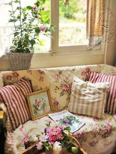 ~༺♡Comfy Cozy Cottage