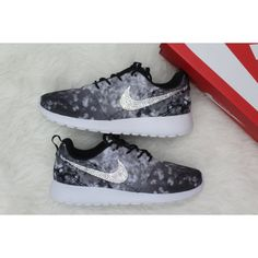 Size 6 Limited Edition Cherry Blossom Collection Swarovski Nike Roshe... (1.260 NOK) ❤ liked on Polyvore featuring shoes, grey, women's shoes, grey shoes, gray shoes, rhinestone shoes, swarovski crystal shoes and cherry blossom shoes