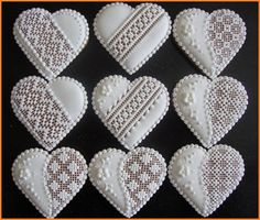 Gingerbread Cookies with Royal Lace Icing Lace Cookies, Heart Cookies, Royal Icing Cookies, Fun Cookies, Cookies Et Biscuits, Holiday Cookies, Summer Cookies, Cookie Favors, Flower Cookies