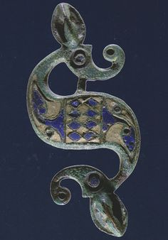 Book Review by Ponting. D.F. MACKRETH. Brooches in Late Iron Age and Roman Britain.