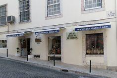 Boa tarde! Venha ao Salão Musical de Lisboa e escolha o instrumento musical que quer levar nas suas férias! Pode também fazer a sua escolha e comprar no site www.salaomusical.com acessível também através de dispositivos móveis.