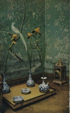 CHINOISERIE AND STRIPES