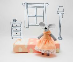 Play set, felt mouse, miniature, pink, peach, in matchbox - pinned by pin4etsy.com