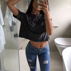 Image about girl in Outfits by Jacque_ on We Heart It Summer Outfits, Casual Outfits, Cute Outfits, Fashion Wear, Fashion Outfits, Womens Fashion, Fashion Clothes, Leila, Vogue