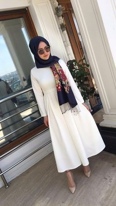 elbise We Love Modest Fashion!We Love Modest Fashion! Hijab Fashion Summer, Modest Fashion, Fashion Dresses, Fashion Fashion, Hijab Dress Party, Hijab Outfit, Islamic Fashion, Muslim Fashion, Modest Clothing
