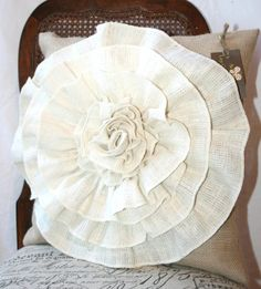 Burlap flower pillow by ava Burlap Projects, Burlap Crafts, Fabric Crafts, Craft Projects, Sewing Projects, Diy Crafts, Sewing Ideas, Large Pillow Cases, Throw Pillow Cases