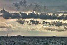 Cielo burrascoso sul mare di Croazia