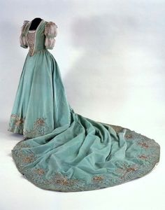 Evening Gown: ca. very early 20th century, French/Hungarian, velvet, metallic thread, taffeta, lace; embroidery.