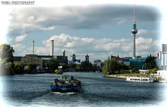 Blick von der Obberbaumbrücke in Berlin, Kreuzberg-Friedrichshain zum Berliner Fernsehturm. (Photo: Copyright @ MaBu Photography)