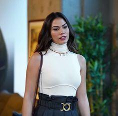 Turkish Fashion, Turkish Beauty, Aishwarya Rai Jodha Akbar, Animated Love Images, Fashion Tv, Turkish Actors, Fashion Pictures, Style Icons, Actors & Actresses