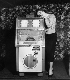 Jukebox by dannyjelinek, via Flickr