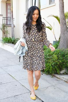 4c84109157a How to Wear a Dress in Different Seasons  Black Floral Print Two Ways