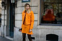 Veste en jean orange aux défilés automne-hiver 2016-2017 à Paris