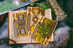 Arthurian - Holy Grail Edition 1 Thessalonians 4, Weeks In A Year, Legend Of King, Minding Your Own Business, Book Of Kells, Cartomancy, Modern Times, King Arthur, Hand Illustration