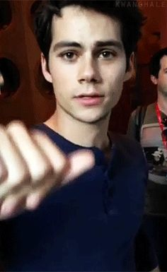》Dylan O'Brien《 Dylan O´Brien gif NEWS! Dylan as Stiles Stilinski from Teen Wolf is on the ballot of the Emmy´s for Outstanding Supportive Actor in a drama series! Teen Wolf Dylan, Teen Wolf Stiles, Teen Wolf Cast, Maze Runner, Dylan O Brien Gif, Meninos Teen Wolf, Mtv, Foto Top, Dylan Thomas