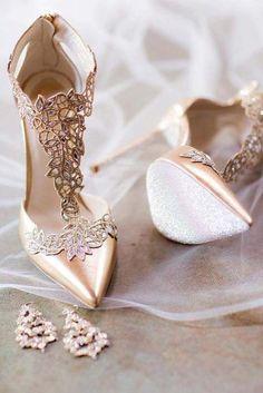 9c2d636d9e2a39 30 Officially The Most Gorgeous Bridal Shoes