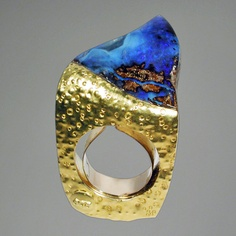 Aqa - Ring in Boulder Opal and 18K gold