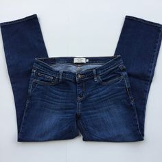 """Abercrombie & Fitch Jeans 🌷Please Read the description! Thanks!🌷  Size: 6 Measurements: waist 14 1/2"""", rise 7"""", inseam 26 1/4"""" worn less than 10 times No stains. Very Good condition.  Plz understand: ✅REASONABLE offers through offer buttons only ❌LOWBALL offers ❌TRADE Thank u for visiting my closet!  Happy shopping!💖 Abercrombie & Fitch Jeans"""