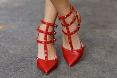 VALENTINO - Rockstud - Red on Red
