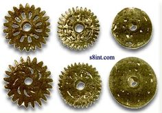 Not much is known about the mysterious bronze gears discovered in Peru, which are also known as the bronze wheels. Mysteries Of The World, Ancient Mysteries, Ancient Artifacts, Ancient Aliens, Ancient History, Ancient Egypt, Unexplained Pictures, Out Of Place Artifacts, Bronze Wheels