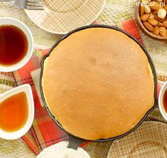 まるでパンケーキ!「ぐりとぐら」カステラの簡単レシピ - macaroni