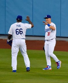 Yasiel Puig, Joc Pederson, LAD/ June 2015 Dodgers Girl, Dodgers Baseball, Cute Couple Pictures, Couple Pics, Yasiel Puig, Arizona Diamondbacks, Go Blue, Team Photos, Los Angeles Dodgers