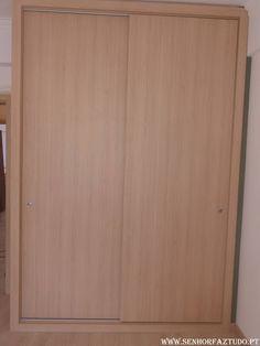 Depois da colocação do trabalho deFornecimento e instalação de um roupeiro por medida em melamina Egger, mostramos agora outro roupeiro também fornecido e instalado por nós no mesmo apartamento na Amadora.     (adsbygoogle = window.adsbygoogle || []).push({}); Neste apartamento ainda será colocado mais um roupeiro, e também foi feita a remodelação da cozinha, remodelação da casa de banho, pintura total do apartamento, colocação de pavimento flutuante e instalação de portas e aduelas novas.
