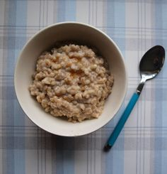 ALMOND MILK AND BARLEY PORRIDGE - vegan and dairy free! Winberry Crumble