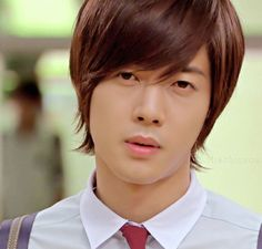 I Voted Kim Hyun Joong for the most good looking idol. :)