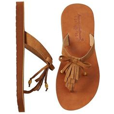 Naemi Fringe Flip Flops By Hanna (€22) ❤ liked on Polyvore featuring shoes, sandals, flip flops, slip-on shoes, wide slip on shoes, bow sandals, beaded shoes and wide flip flops