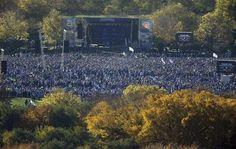 Los Cachorros y unos cinco millones de fanáticos, según cálculos oficiales, festejaron con un desfile desde Wrigley Field y un rally en el parque Grant